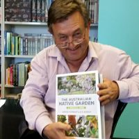 the australian native garden book advanced copy